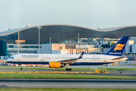 アイスランド航空 FI 757の写真素材 [FYI03136161]