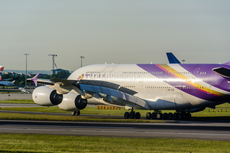 タイ国際航空 TG A380の写真素材 [FYI03136162]