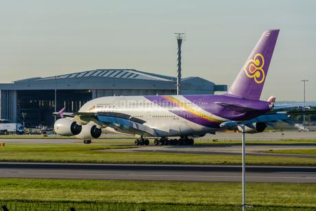 タイ国際航空 TG A380の写真素材 [FYI03136164]