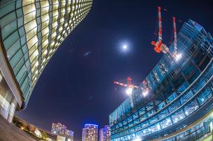 横浜みなとみらいのオフィスビルの建築現場(2018年12月)の写真素材 [FYI03136195]