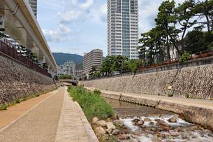 都会を流れる川の写真素材 [FYI03136808]