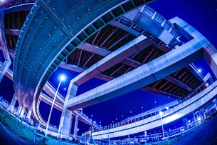 首都高速湾岸線・大黒ジャンクション(横浜市鶴見区)の写真素材 [FYI03137082]