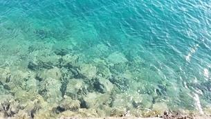 エメラルドグリーンの海3の写真素材 [FYI03137168]