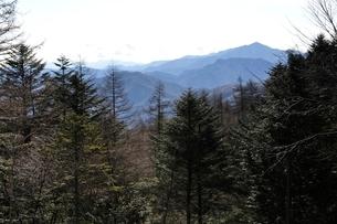 笠取山より大菩薩嶺の写真素材 [FYI03138172]