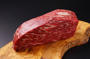 牛肉の塊の写真素材 [FYI03138367]