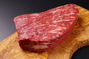 牛肉の塊の写真素材 [FYI03138368]