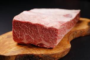 ハラミ牛肉ブロックの写真素材 [FYI03138378]