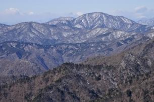 鍋割山から道志山塊の写真素材 [FYI03139340]