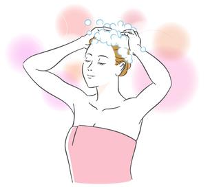 シャンプーする女性 のイラスト素材 [FYI03139754]