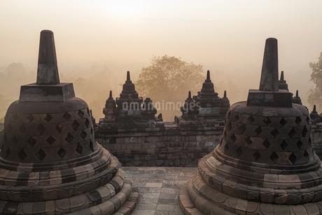 インドネシア・ボロブドゥール寺院遺跡群 2の写真素材 [FYI03139873]