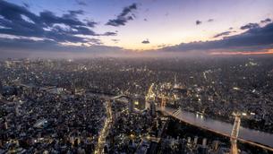 東京都・東京スカイツリーからの夜景 1の写真素材 [FYI03140676]