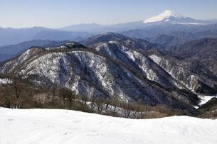 塔ノ岳からの冬の展望の写真素材 [FYI03141487]