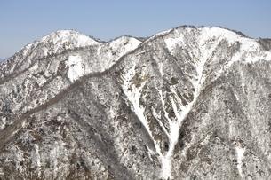 雪陵の丹沢山地の写真素材 [FYI03141499]