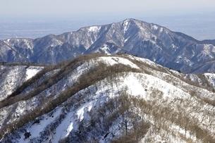 塔ノ岳より雪の大山の写真素材 [FYI03141512]