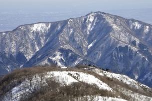 塔ノ岳より雪の大山の写真素材 [FYI03141513]