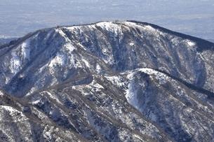 雪の烏尾山 三ノ塔の写真素材 [FYI03141514]