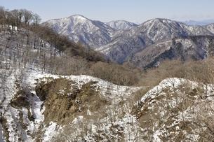 雪陵の大丸と西丹沢の写真素材 [FYI03141527]
