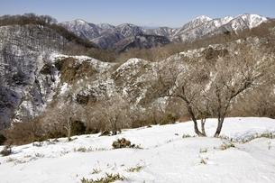 雪陵の丹沢の展望の写真素材 [FYI03141532]