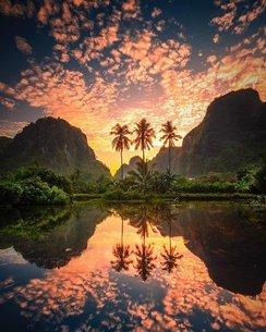 ラマンラマン湖の写真素材 [FYI03141604]