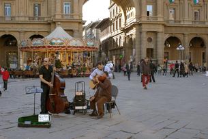 イタリアの広場の写真素材 [FYI03141953]
