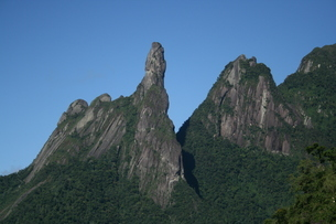 リオ州の奇岩デッド・デ・デウスの写真素材 [FYI03142131]