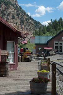 北米アメリカ合衆国コロラド州ジョージタウンループ狭軌鉄道のシルバープルーム駅風景の写真素材 [FYI03142456]