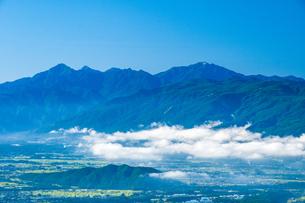 霧ヶ峰高原富士見平より南アルプスを望むの写真素材 [FYI03142585]