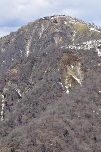 蛭ヶ岳 残雪の季節の写真素材 [FYI03143536]
