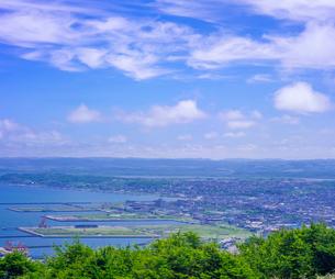 北海道 自然 風景 稚内公園より稚内市街遠望 の写真素材 [FYI03143918]