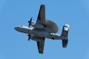 早期警戒機 E-2 ホークアイの写真素材 [FYI03143981]