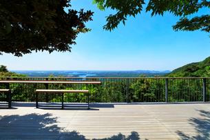 横山展望台の木もれ日テラスより英虞湾を望むの写真素材 [FYI03144070]