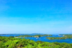 ともやま公園桐垣展望台より英虞湾の島々の写真素材 [FYI03144083]
