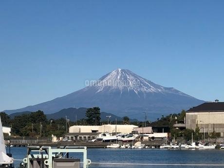 富士山    静岡県三保から   iPhoneによる撮影  の写真素材 [FYI03144449]