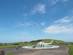 ヘリポートのヘリコプターの写真素材 [FYI03144836]