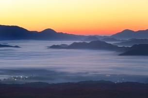 雲海と朝焼けの写真素材 [FYI03145018]