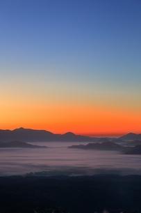 雲海と朝焼けの写真素材 [FYI03145022]