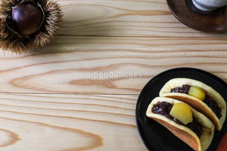栗を使った和菓子の写真素材 [FYI03145534]