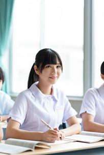 教室で授業を受ける看護学生の写真素材 [FYI03145852]