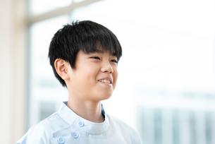 微笑む看護学生の写真素材 [FYI03145869]