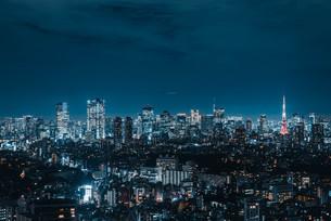 東京タワーと都心の夜景の写真素材 [FYI03146714]