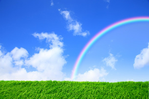 青空と虹の写真素材 [FYI03147166]