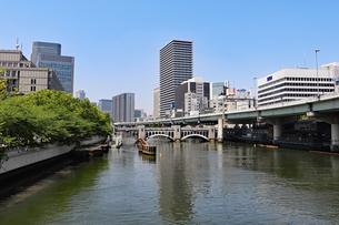 大阪・堂島川の風景の写真素材 [FYI03147598]