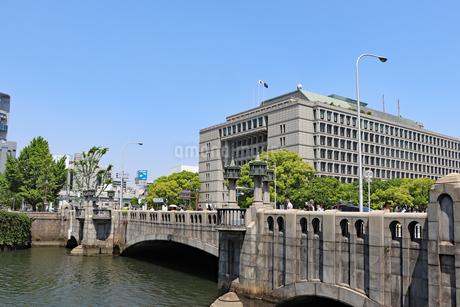 淀屋橋と大阪市役所の写真素材 [FYI03147601]