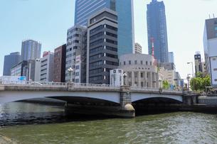 大阪・中之島の橋の写真素材 [FYI03147609]