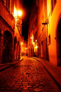 フランスの小路 石畳のリヨン旧市街の写真素材 [FYI03147647]