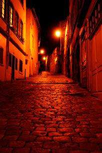 フランスの小路 石畳のリヨン旧市街の写真素材 [FYI03147650]