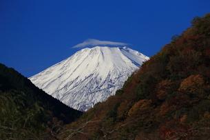 富士山と笠雲の写真素材 [FYI03147953]