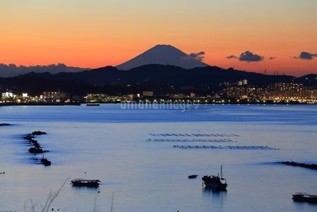 夕焼け富士山の写真素材 [FYI03148323]