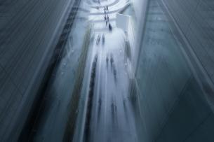 都会を歩くの写真素材 [FYI03148647]