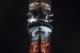 クローズアップ東京タワー<夜景>の写真素材 [FYI03148660]